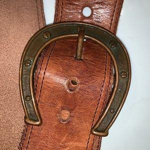 Linea Pelle horseshoe leather belt
